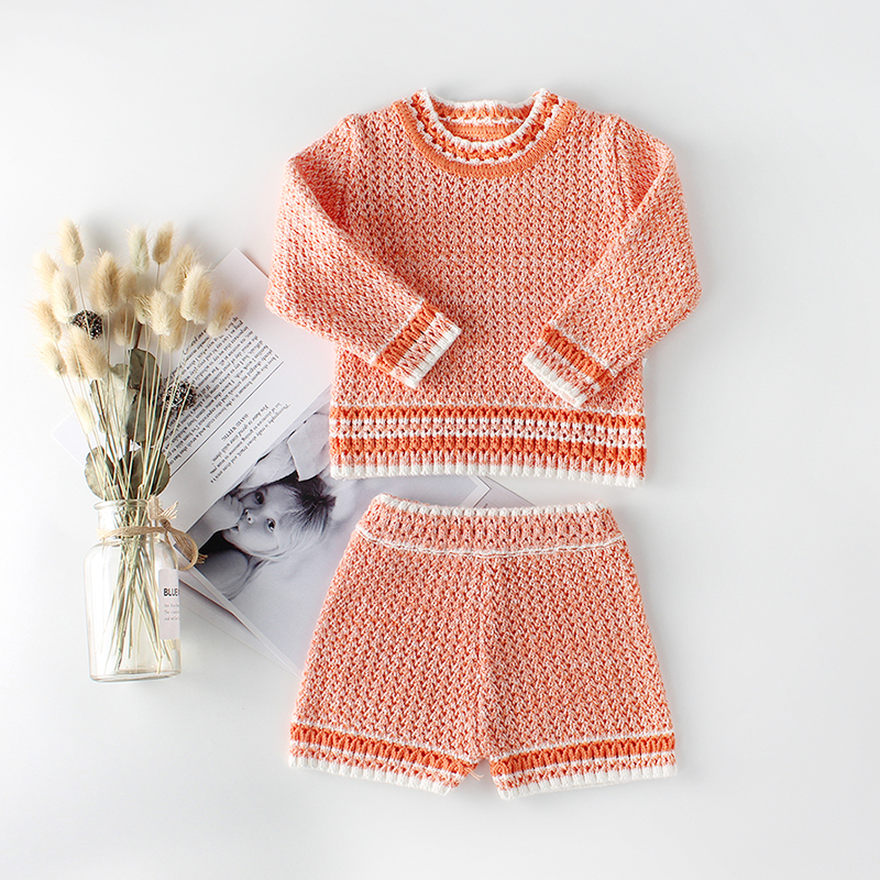 Pretty Long-sleeve Knitted Top and Shorts Set for Baby Girl